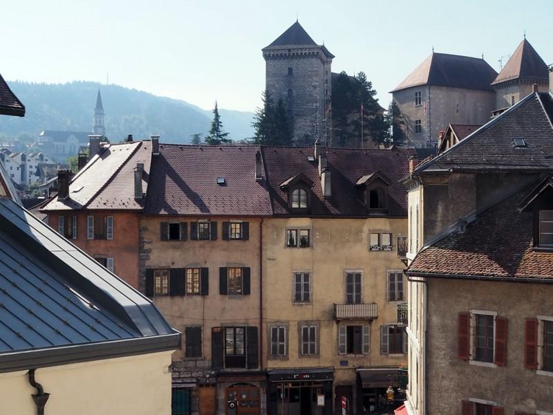 vente appartement T4 refait à neuf au calme en plein centre ville d'Annecy